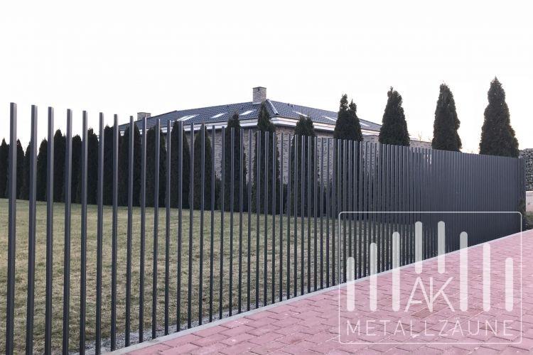 Ak metal z une aus polen pavel zaun modern - Holzzaun modern ...