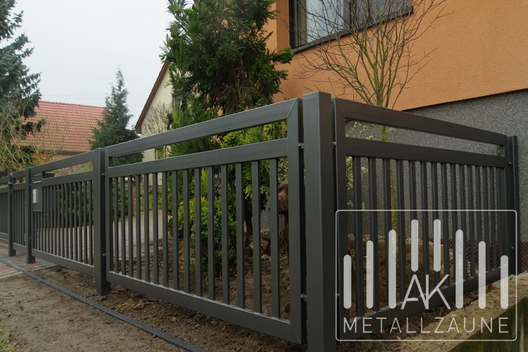 ak metal z une aus polen frankfurt modern metallzaun aus polen. Black Bedroom Furniture Sets. Home Design Ideas