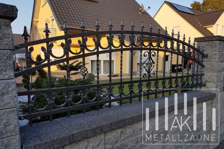 ak metal z une aus polen landsberg zaun 2 schmiedeeiserne zune aus polen. Black Bedroom Furniture Sets. Home Design Ideas